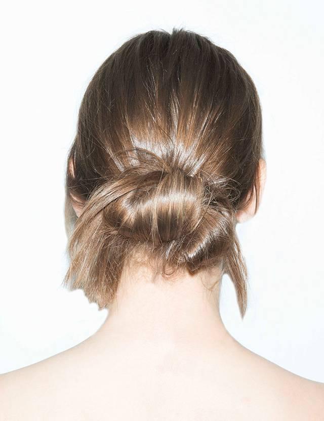 I håret knold Håropsætning